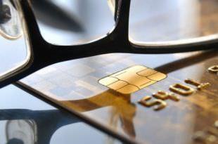 Кредитная карта и очки
